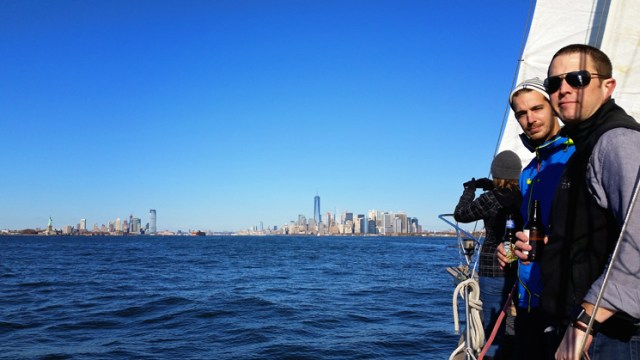 NYC_skyline_sailboat