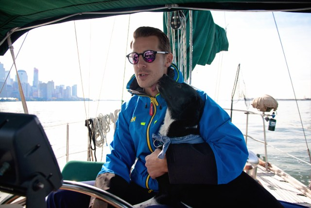 dog_skyline_sailing