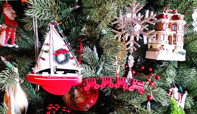 sailboat_christmas_ornament