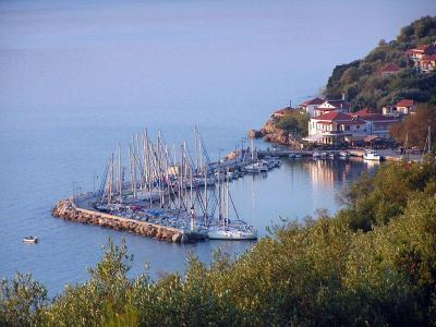 Yacht charters in Lefkas and Kalamos port
