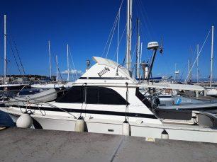 Bateau à moteur/Motor yacht