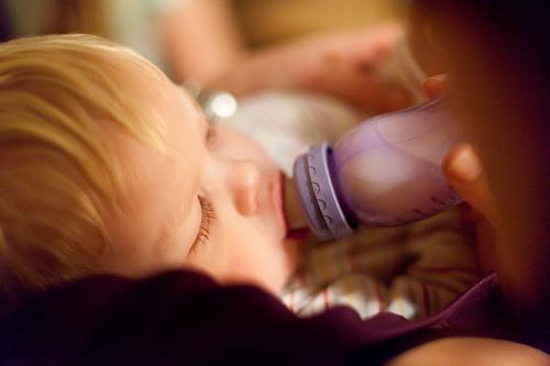Alerte sur certains laits infantiles
