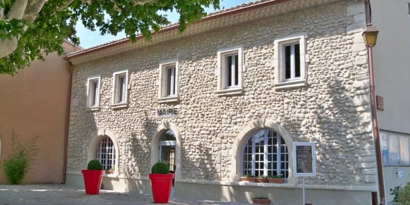 Mairie de Saint Maurice sur Eygues de jour