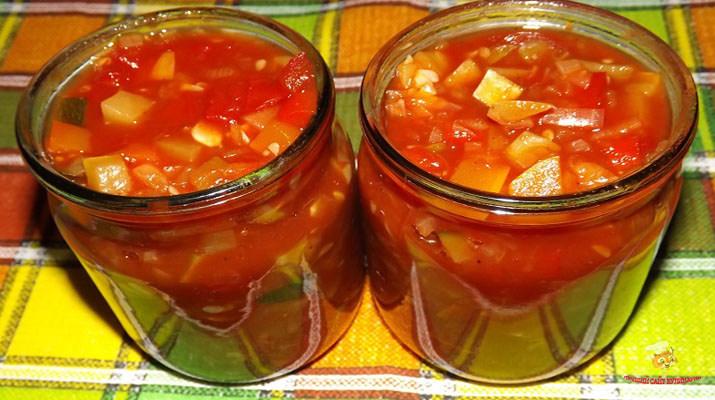 vkusnyj-salat-na-zimu-iz-kabachkov