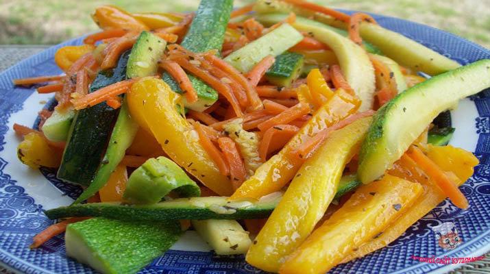 kabachkovyj-salat