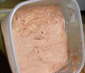 kak-sdelat-shokoladnoe-morozhenoe2
