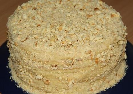 tort-na-skovorode-so-sgushenkoi2