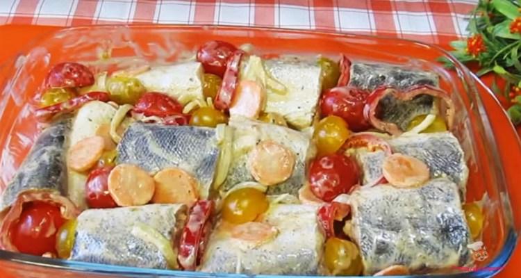 riba-v-mrinade-s-morkoviyu-i-lukomк