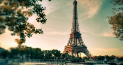 BackgroundParis-620x330