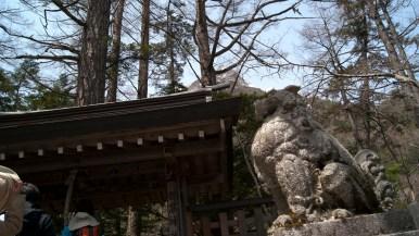 穂高神社奥宮の狛犬