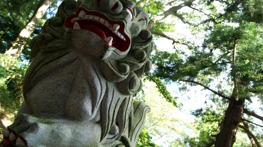 野尻湖琵琶島の狛犬