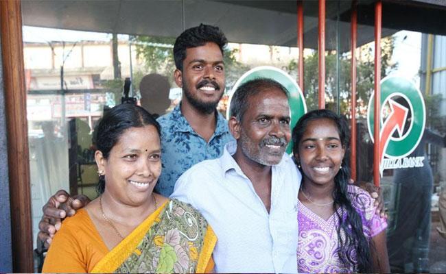 Kerala Labourer Wins Rs 12 Crore Lottery - Sakshi