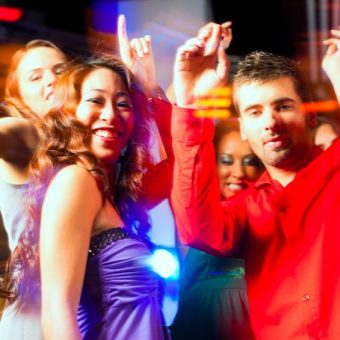 connect with new tokyo nightclub friends using sakura mobile sim and wifi