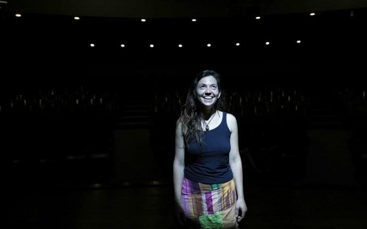 Florencia Bonavita trae la oscuridad y la luz