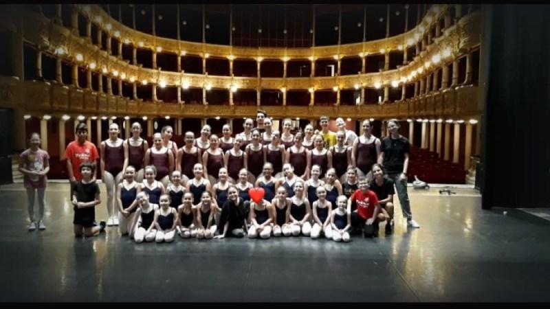 Saggio di fine anno di Tekne Dance School di Lizzanello al Politeama