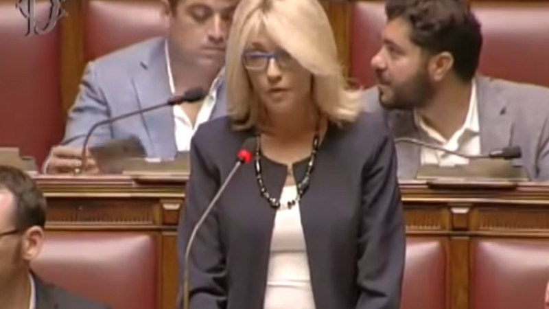 Veronica Giannone la Parlamentare intervistata da Salentodonna: aiutatemi a salvare i bambini
