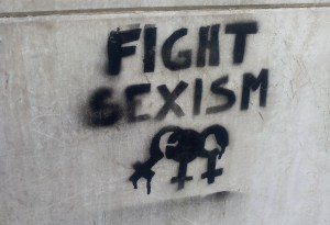 festa della donna sessismo Fight_sexism_graffiti_in_Torino November_2016