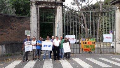 ambasciata greca - proteste contro tap
