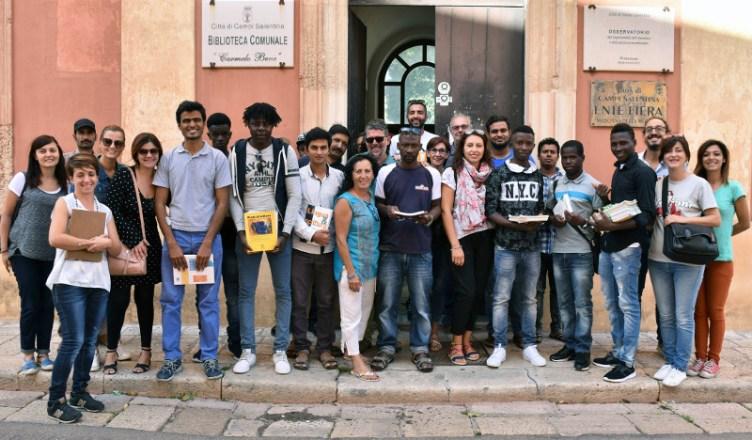 Biblioteca Campi ArciLecce donazione libri ospiti sprar