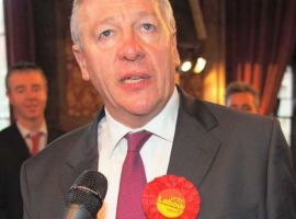 Image: https://en.m.wikipedia.org/wiki/File:Graham_Stringer_MP2010.jpg