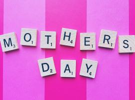 Mother's day. Image in the public domain