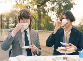 Oliver and Davey on tea break.