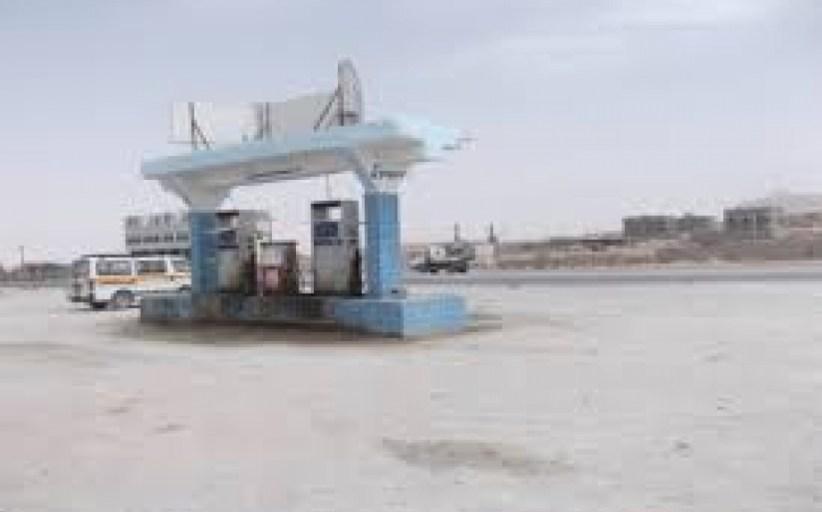 أزمة خانقة للمشتقات النفطية في مديرية رضوم بشبوة