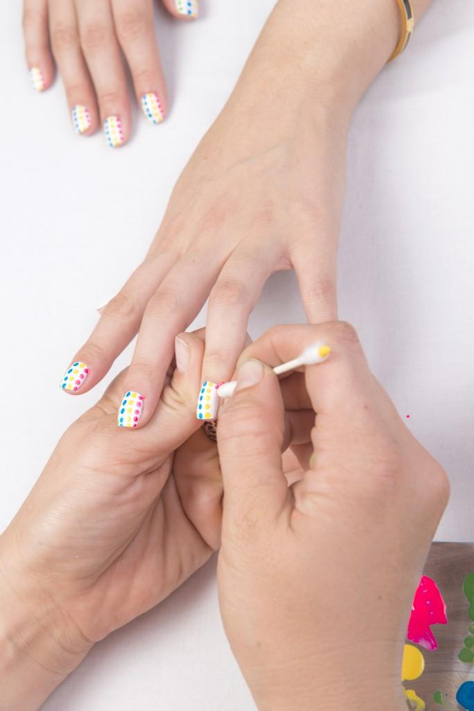 dot-nail-art-tutorial