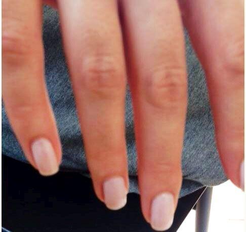 betsy-brandt-nails