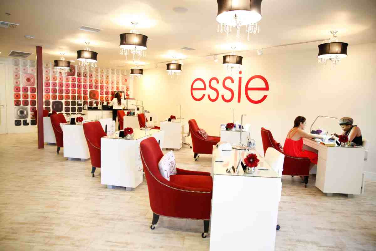 Cool Salons: Essie Nail Lounge in Las Vegas
