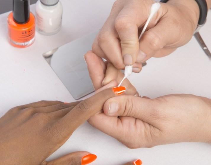 q-tip-nail-art