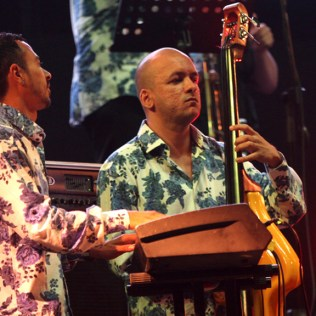 Los músicos estuvieron impecable en el show. Sin duda, la agrupación toma la misma fuerza que en los 90's. (Foto: Songoro Media)