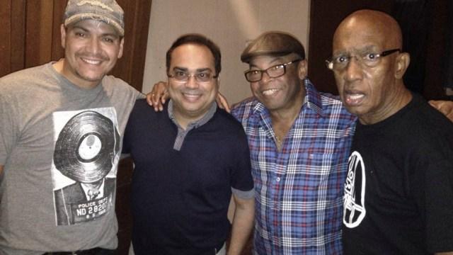 Adalberto Álvarez junto a Víctor Manuelle, Gilberto Santa Rosa y Roberto Roena. (Foto: Adalberto Álvarez)