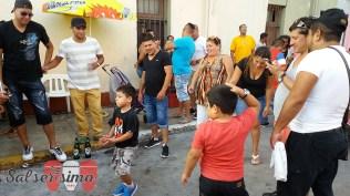 La salsa une generaciones. Los niños también disfrutaron del espectáculo de Renzo Padilla junto a K'llao Salsa. (Foto: Salserísimo Perú)