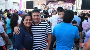 Vanesa y Pipo, seguidores de Salserísimo Perú, también llegaron al cruce de los jirones Puno y Ayacucho para disfrutar de buena salsa. (Foto: Salserísimo Perú)