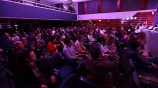 Fotos y videos en todo momento. Así se la pasaron muchos de los asistentes quienes se aseguraron de registrar cada momento del show. (Foto: Salserísimo Perú)