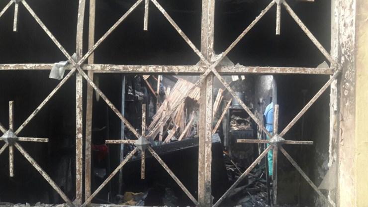 El fuego no dejó nada en la casa del joven cantante. (Foto: Facebook/Maycol Paz)
