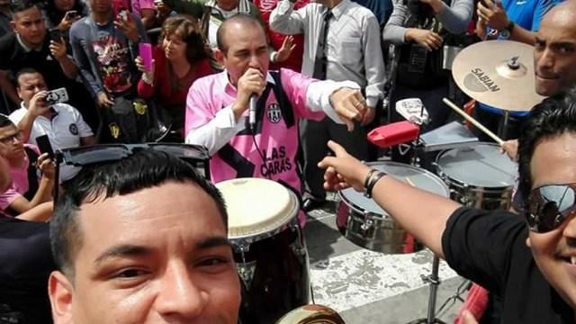 El salsero interpretó varios temas, entre ellos 'Trampolín' y 'Aguacero'. (Foto: Facebook/GiancarloBlanco)