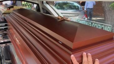 Los hijos de Lucho Macedo decidieron que el entierro se realice en un cementerio en Lurín donde descansan los restos de Juanita Aguero, la madre del pianista. (Foto: Antonio Alvarez F. / Salserisimo Perú)