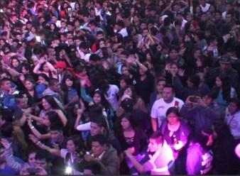 El público no dejó de bailar en toda la noche. (Foto: Municipalidad Provincial del Callao)