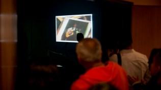 Mucha gente que no alcanzó a ingresar vendo el reportaje preparado por Salserísimo Perú a 'Mita' Barreto. (Foto: Antonio Alvarez F./Salserísimo Perú)