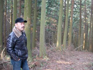 鹿の群れに遭遇し、驚くカメラマン準