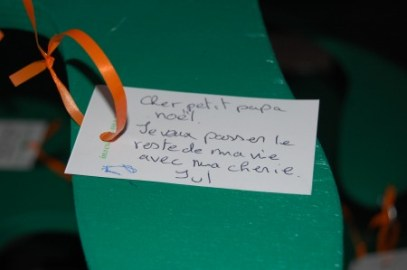 A message on the Wishing Tree for Papa Noel