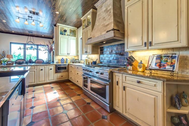 kitchen_saltillo_copper_square_12x12_traditional