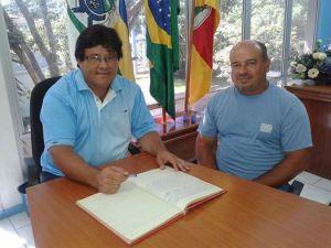 PMSJ-ROQUE-300x225 EXECUTIVO: Prefeito transmite cargo para Presidente do Legislativo durante suas férias