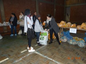 36331853_872602906281979_2493985619278036992_n-1-300x225 Mais uma distribuição de alimentos do Programa de Aquisição de Alimentos (PAA)
