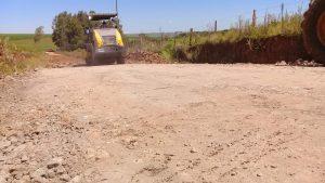 53728853_402234747022749_8178564003073622016_n-300x169 Recuperação das estradas no interior são prioridades para o escoamento da safra de soja.