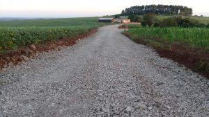 53813259_388744888620594_6763381942718038016_n-300x169 Recuperação das estradas no interior são prioridades para o escoamento da safra de soja.