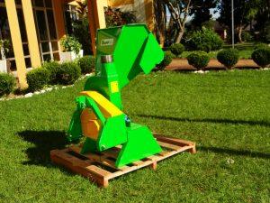 WhatsApp-Image-2019-05-16-at-11.09.51-1-300x225 Prefeitura Municipal de Salto do Jacuí adquiriu um Triturador de resíduos de poda.