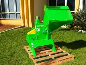 WhatsApp-Image-2019-05-16-at-11.09.51-5-1-300x225 Prefeitura Municipal de Salto do Jacuí adquiriu um Triturador de resíduos de poda.